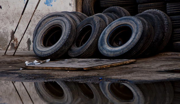 Carbon Black Extracted From Old Tires May Find Use As Anodes For Electric Car Batteries